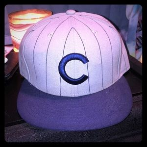 New Era Chicago Cubs Vintage Logo 7 1/4 Fitted Cap